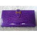 Wallet Bearn Portefeuille in Ultraviolet in Alligator Shiny Finished with Gold Hard ware Brand New Stamp #P