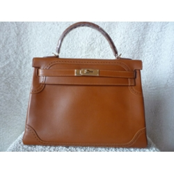Kelly Ghillies in Fauve (honey brown) size 32 in Tadelakt leather with Permabrass hard ware (light yellow gold) brand new condition stamp #P New