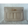Berline size 28 in Argile (Beige) in Swift Leather with Palladium Hard ware in Second Condition Stamp #P